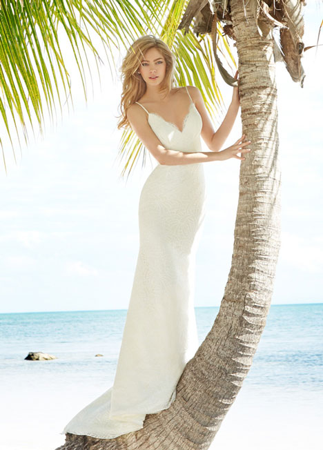 Ren (1503) gown from the 2015 Blush by Hayley Paige collection, as seen on dressfinder.ca