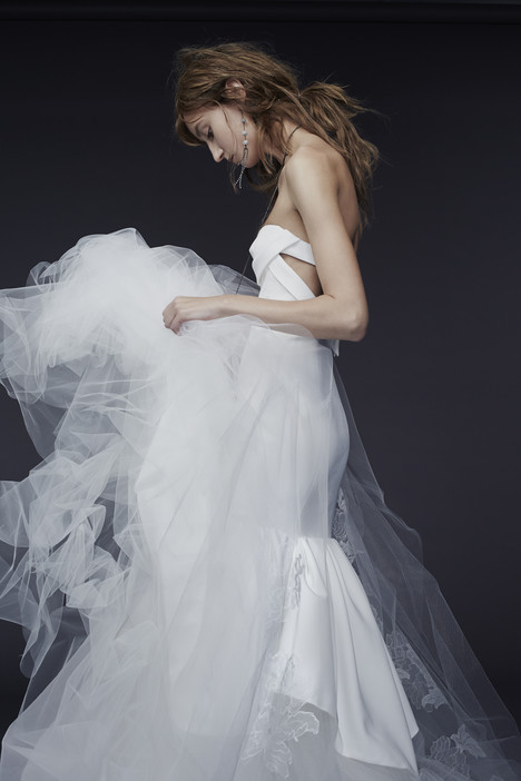 Petra gown from the 2015 Vera Wang collection, as seen on dressfinder.ca