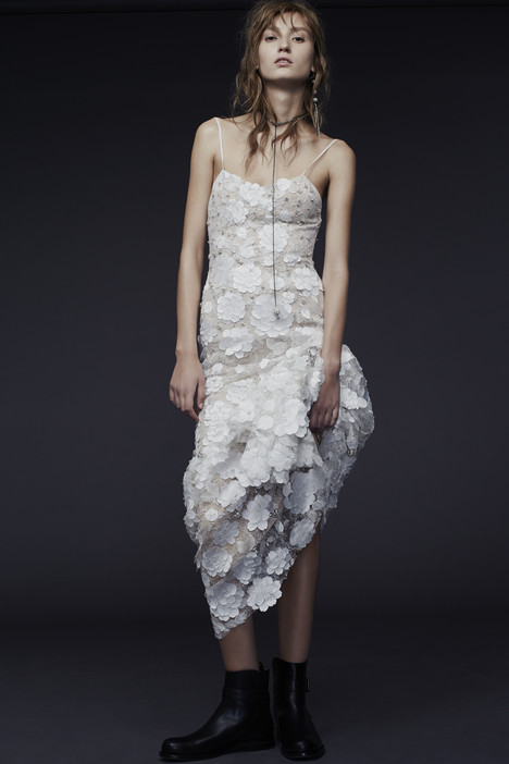 Perla gown from the 2015 Vera Wang collection, as seen on dressfinder.ca