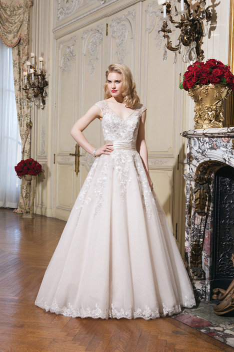 Style 8760 gown from the 2015 Justin Alexander collection, as seen on dressfinder.ca