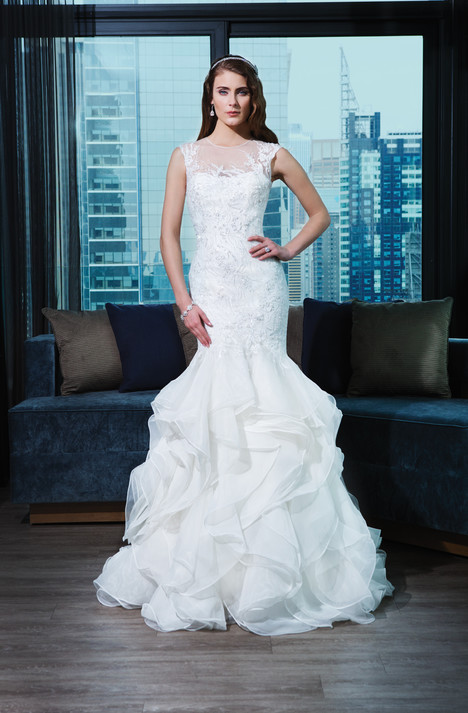 Style 9766 gown from the 2015 Justin Alexander Signature collection, as seen on dressfinder.ca
