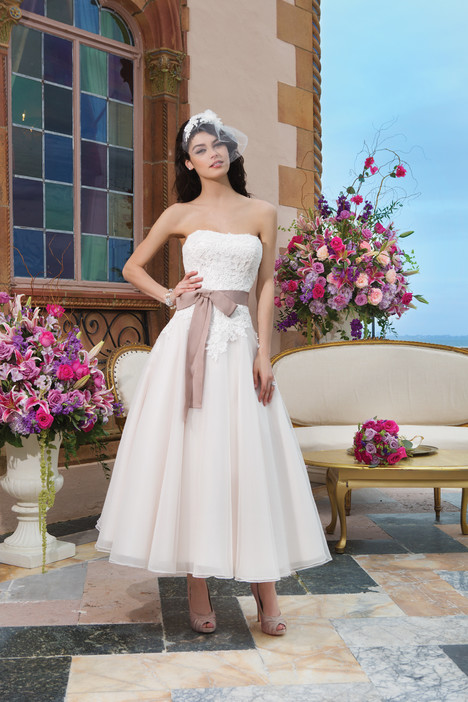 3820 Wedding dress by Sincerity