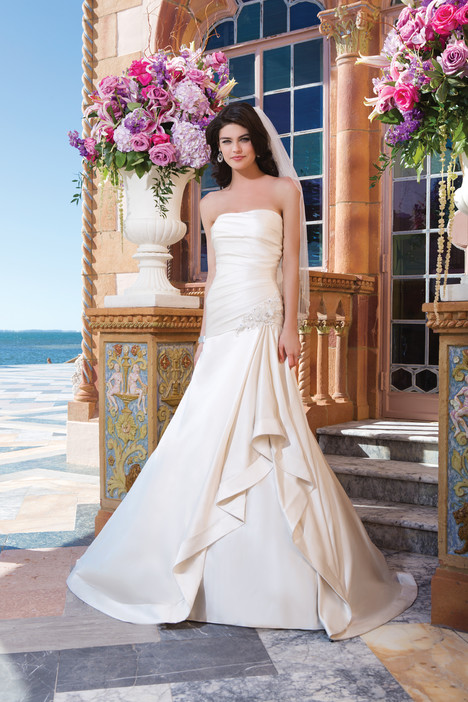3824 Wedding                                          dress by Sincerity