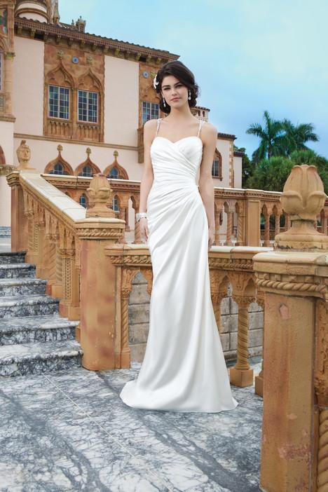 3847 Wedding dress by Sincerity