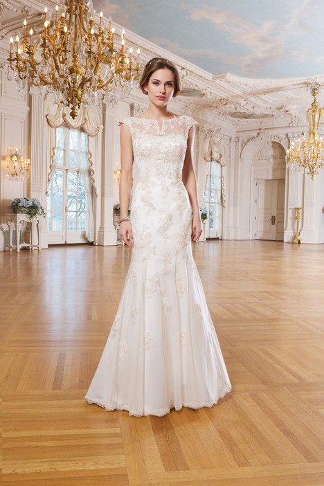 6356 Wedding dress by Lillian West