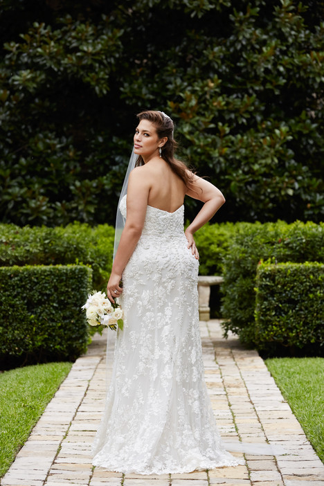 Helena (back) Wedding dress by Wtoo Curve