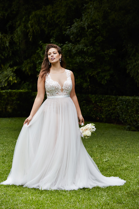 Marnie Wedding                                          dress by Wtoo Curve