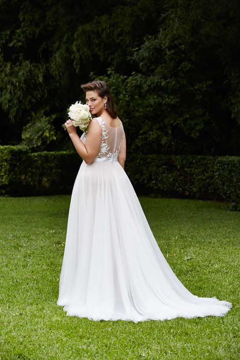 Marnie (back) Wedding dress by Wtoo Curve