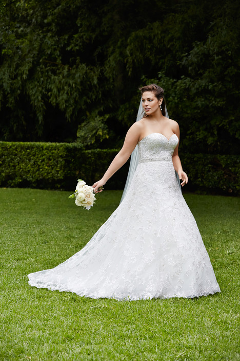 Estelle Wedding                                          dress by Wtoo Curve