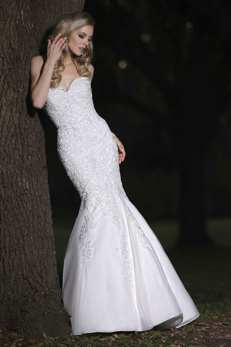 90256 Wedding                                          dress by Simone Carvalli