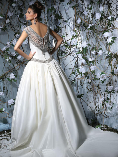 VH176 Wedding                                          dress by Victor Harper