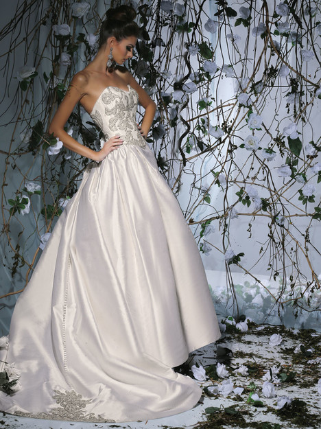 VH179 Wedding                                          dress by Victor Harper