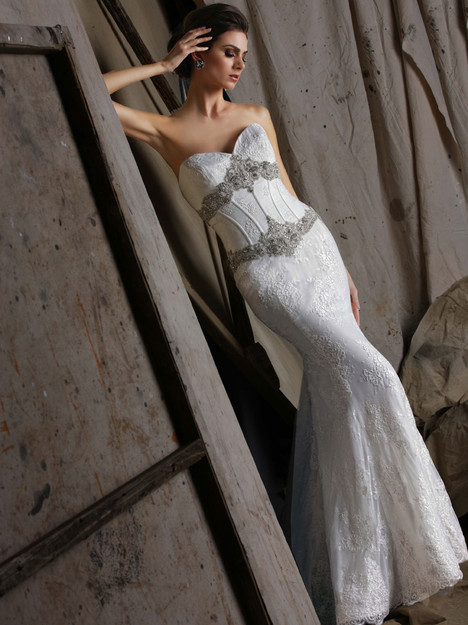 VH182 Wedding                                          dress by Victor Harper