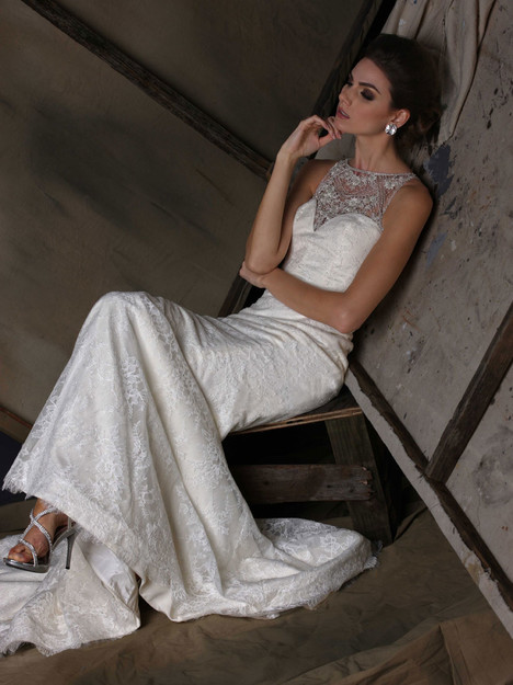 VH183 Wedding                                          dress by Victor Harper