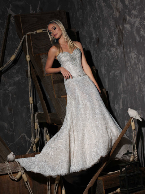 VHC302 Wedding                                          dress by Victor Harper : Couture