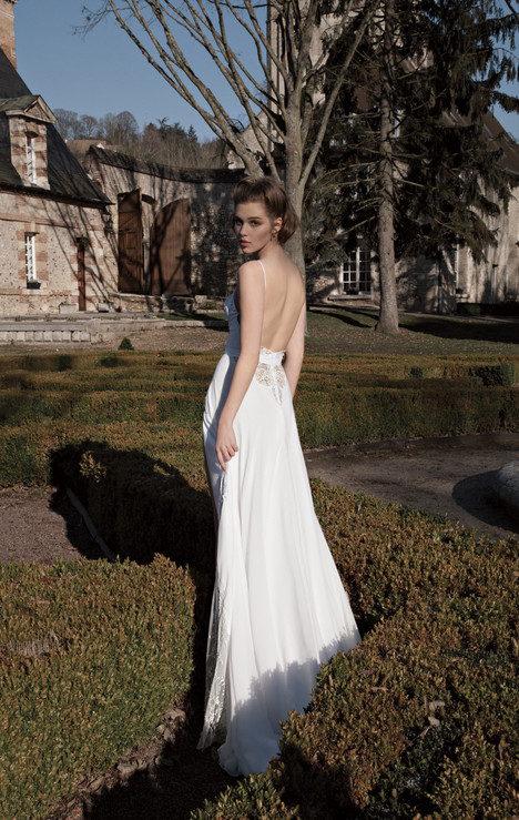 BR-13-28 gown from the 2013 Inbal Dror collection, as seen on dressfinder.ca