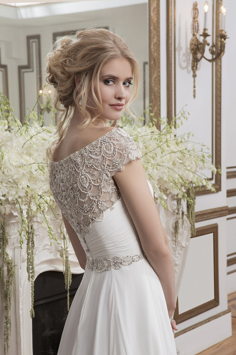 Style 8799 gown from the 2016 Justin Alexander collection, as seen on dressfinder.ca