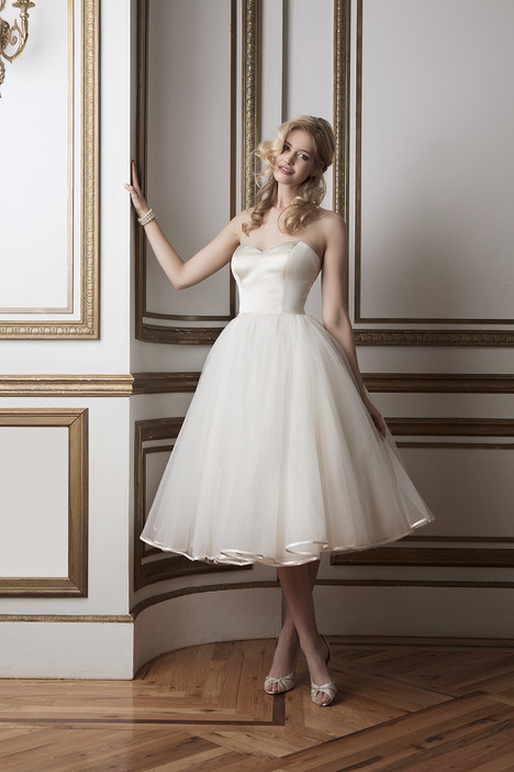 Style 8800 gown from the 2016 Justin Alexander collection, as seen on dressfinder.ca
