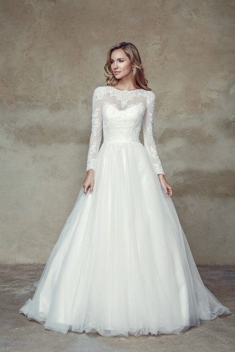 M1530Z + Sleeves Wedding                                          dress by Mia Solano