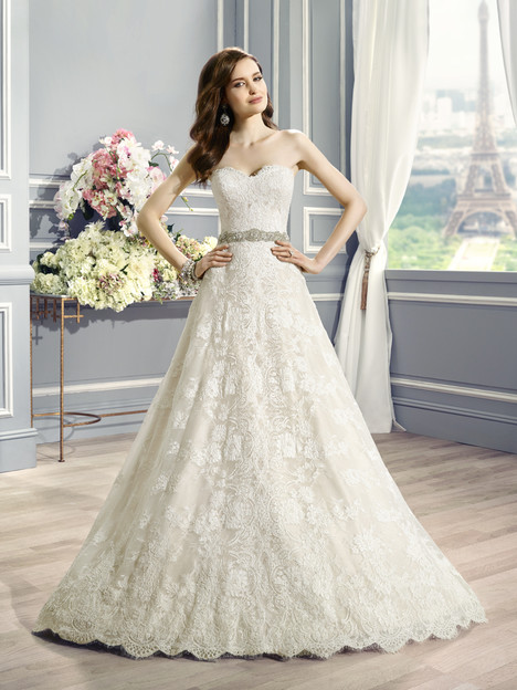 H1283 Wedding                                          dress by Moonlight : Couture