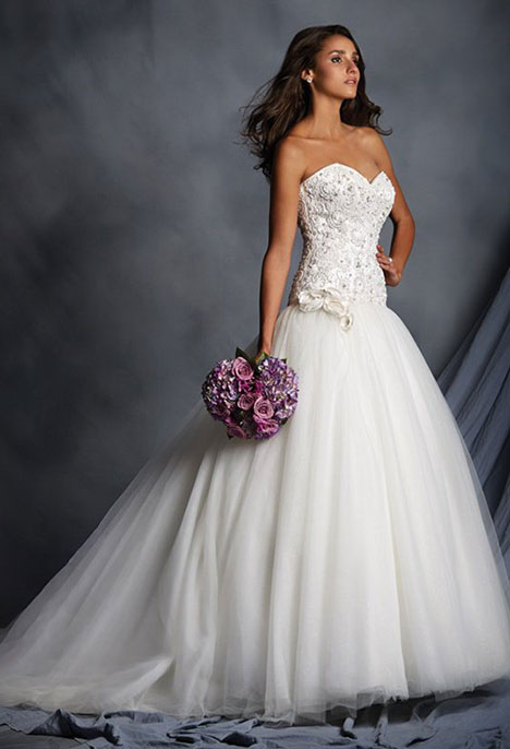 2528 Wedding dress by Alfred Angelo