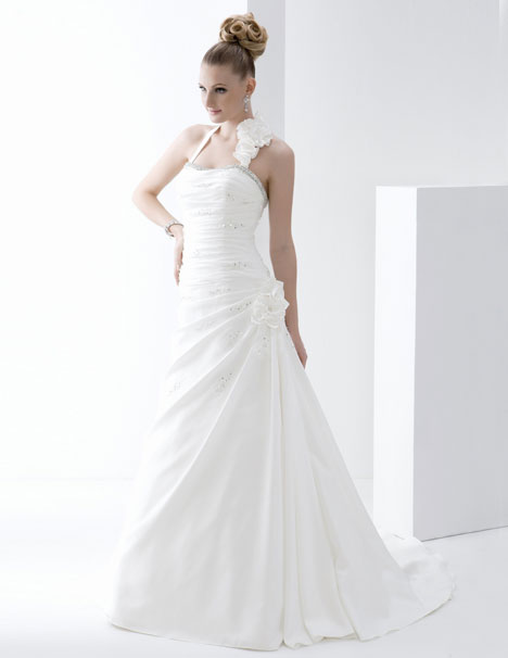 PA9094 gown from the 2013 Venus Bridal: Pallas Athena collection, as seen on dressfinder.ca