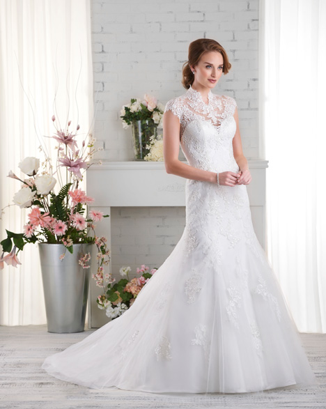 521 Wedding dress by Bonny Bridal
