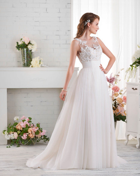 525 gown from the 2015 Bonny Bridal collection, as seen on dressfinder.ca