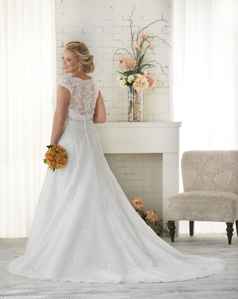 1516 (back) gown from the 2015 Bonny Bridal collection, as seen on dressfinder.ca