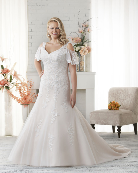 1522 gown from the 2015 Bonny Bridal collection, as seen on dressfinder.ca