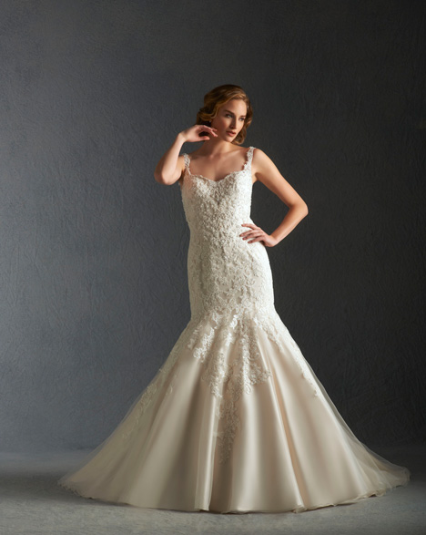 8515 gown from the 2015 Bonny Bridal collection, as seen on dressfinder.ca