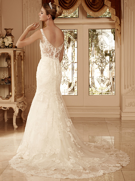 2099 (back) gown from the 2010 Casablanca Bridal collection, as seen on dressfinder.ca