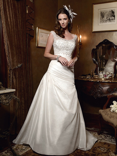 2027 gown from the 2011 Casablanca Bridal collection, as seen on dressfinder.ca