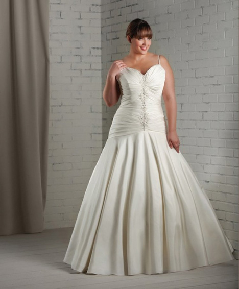 1115 gown from the 2012 Bonny Bridal collection, as seen on dressfinder.ca