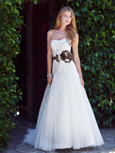 1498 gown from the 2013 Kenneth Winston collection, as seen on dressfinder.ca