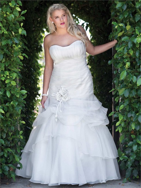 3364 Wedding                                          dress by Femme by Kenneth Winston