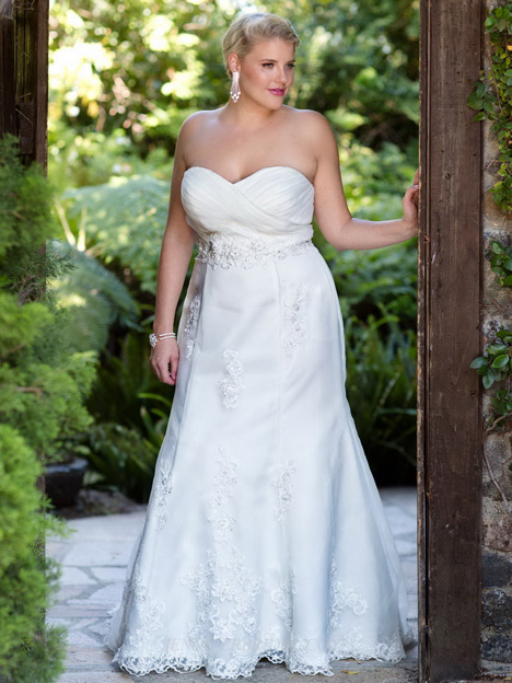3366 Wedding                                          dress by Femme by Kenneth Winston