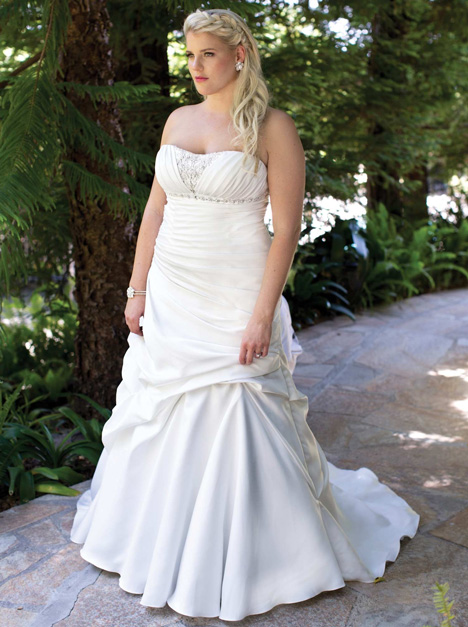 3365 Wedding                                          dress by Femme by Kenneth Winston
