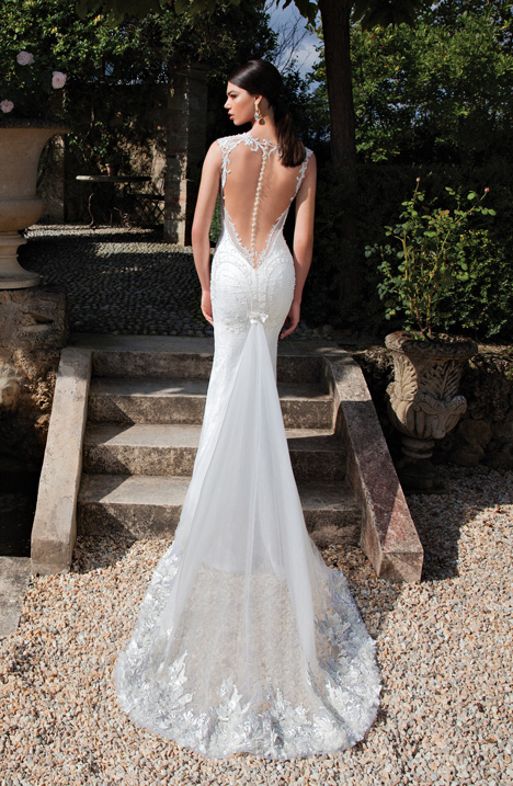Style 15-02 gown from the 2015 Berta Bridal collection, as seen on dressfinder.ca