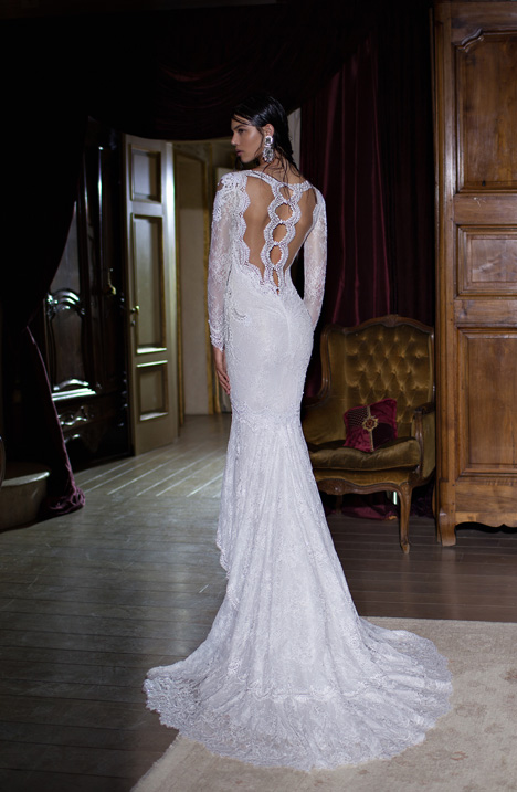 Style 15-11 gown from the 2015 Berta Bridal collection, as seen on dressfinder.ca