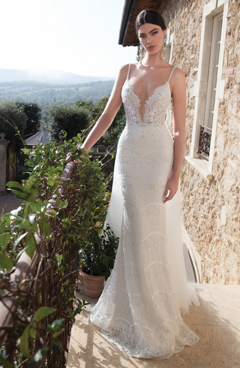 Style 15-18 gown from the 2015 Berta Bridal collection, as seen on dressfinder.ca