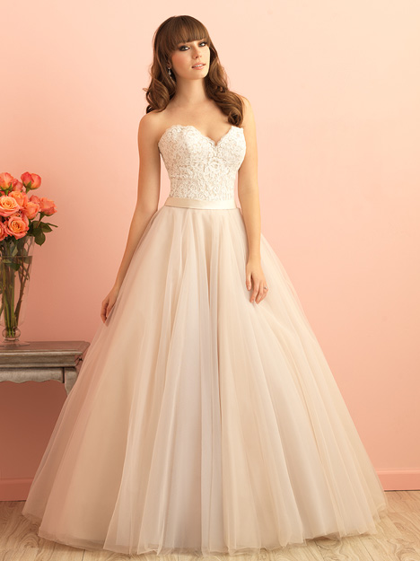 Style 2853 gown from the 2015 Allure Romance collection, as seen on dressfinder.ca