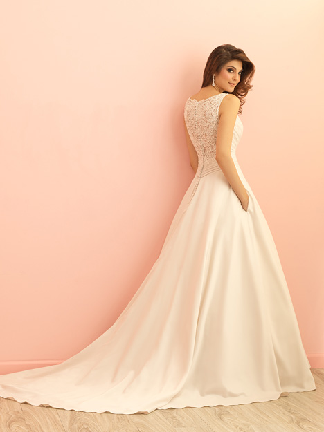 Style 2865 gown from the 2015 Allure Romance collection, as seen on dressfinder.ca