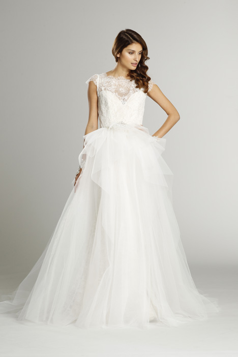 9552 + S552 Overskirt Wedding                                          dress by Alvina Valenta