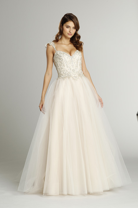 9561 Wedding                                          dress by Alvina Valenta