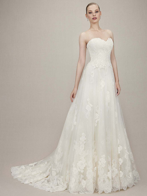 Kimberly gown from the 2016 Enzoani collection, as seen on dressfinder.ca