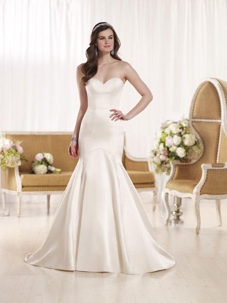 D1930 gown from the 2016 Essense of Australia collection, as seen on dressfinder.ca