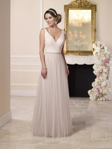 6174 gown from the 2016 Stella York collection, as seen on dressfinder.ca