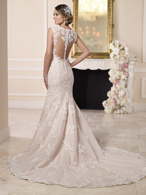 Style 6146 gown from the 2016 Stella York collection, as seen on dressfinder.ca