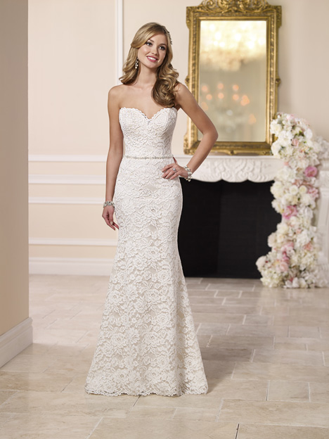 6124 gown from the 2016 Stella York collection, as seen on dressfinder.ca